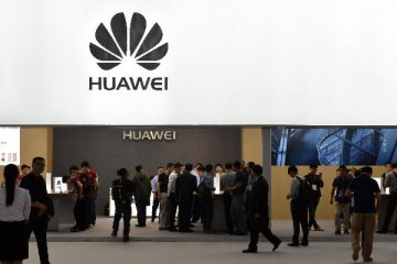Huawei launches worlds first 5G base station core chip