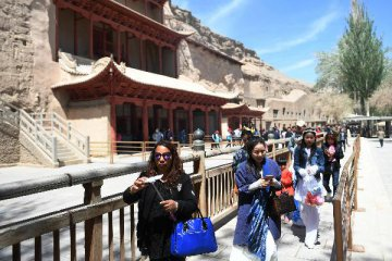 Traveling an inseparable part of happiness among Chinese: report