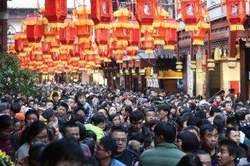 Spring Festival travel brings 513.9 bln yuan to Chinas tourism revenue