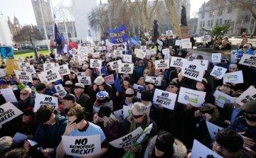 UK parliament votes against PMs Brexit motion