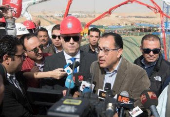 Egypts PM hails Chinese companys construction of giant business tower