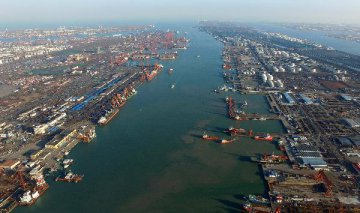 Tianjin port sees goods trade up 9 pct in January