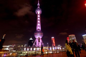 Shanghai reports double-digit rise in tourism revenue
