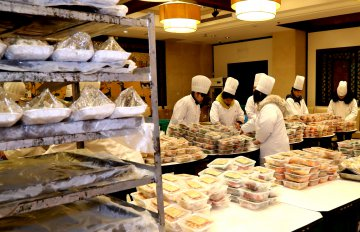 Chinas catering industry exceeds 4 trln yuan in 2018