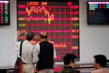 Analysts Downgrade China Stocks at Fastest Clip in Eight Years