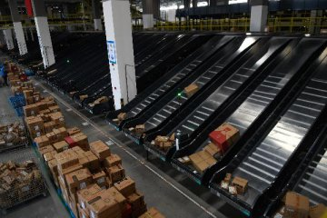 Chinas warehouse, storage services expand in March