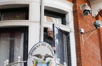 U.S. files 17 new charges against WikiLeaks co-founder Julian Assange