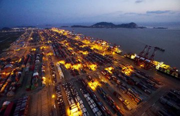 Shanghai ranks 4th in intl shipping centers for second year: report