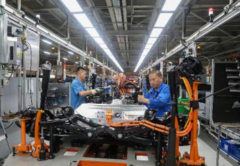 Chinas manufacturing PMI falls in October