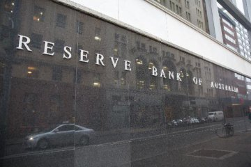 Australias interest rate remains on hold at 0.75 pct