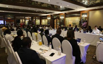 Zimbabwe, Chinas Hunan Province hold forum to discuss tourism cooperation