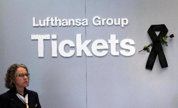 Lufthansa says German govt approves 9-bln-euro rescue package