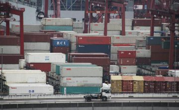Hong Kongs exports down 7.4 pct in May