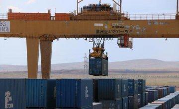 Manzhouli sees cross-border railway freight exceeding 10 mln tonnes in H1