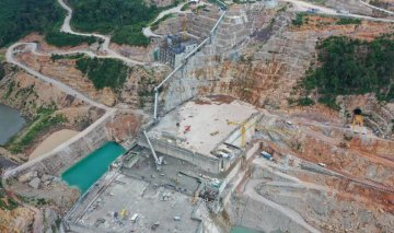 Feature: Chinese builders work hard to press forward Lao projects