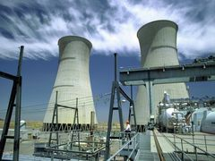 China Q4 power consumption to grow 3 pct