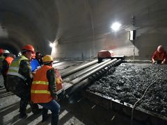 China coal export tariffs likely to be cut from 10 pct to 3 pct, report