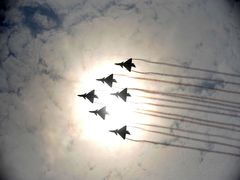 China wraps up air show with record deals