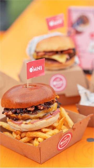 OMNILICIOUS EATS - The Big Vegan Pig Out